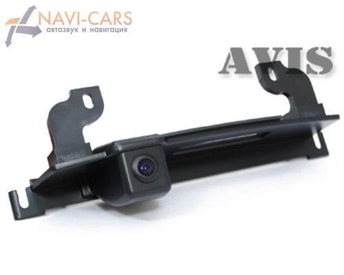 Камера заднего вида (CCD) AVIS AVS321CPR для Nissan Tiida hatchback (в ручку багажника)